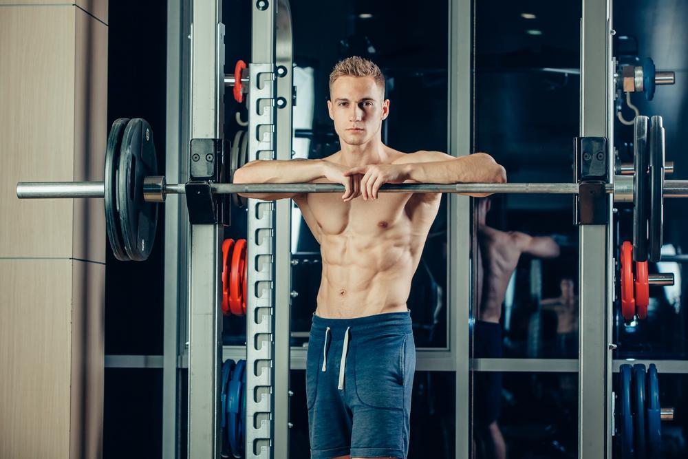 Cómo muscular hombros con 3 ejercicios fáciles de hacer