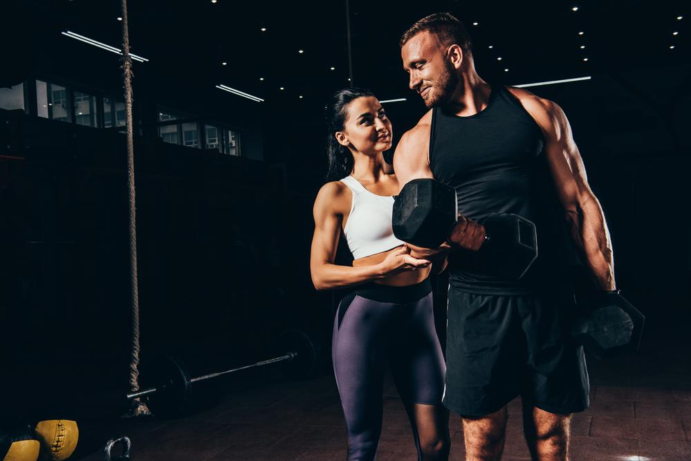 Aprende como hacer bíceps y tríceps y trabajarlos de forma aislada