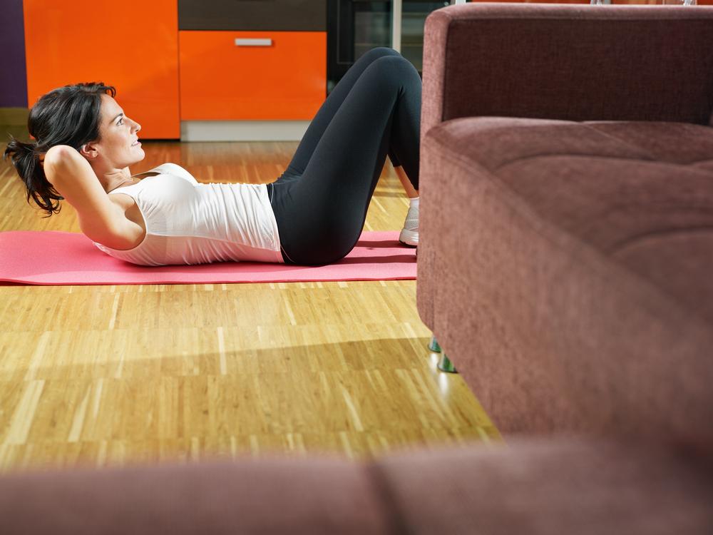 Entrenar en casa es fácil con estos X ejercicios