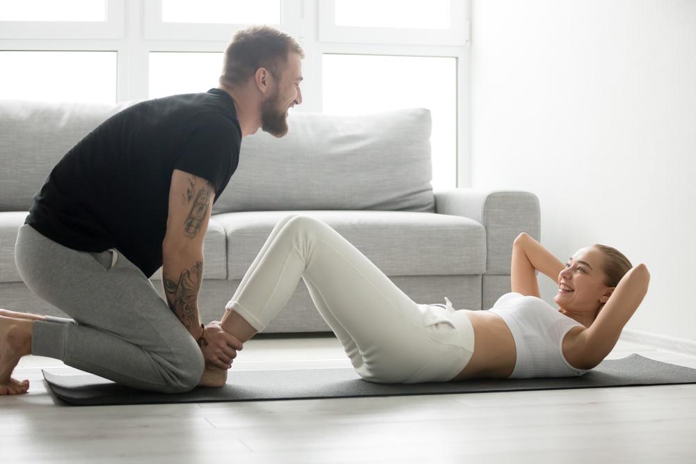 Ejercicios en pareja que puedes hacer durante el confinamiento