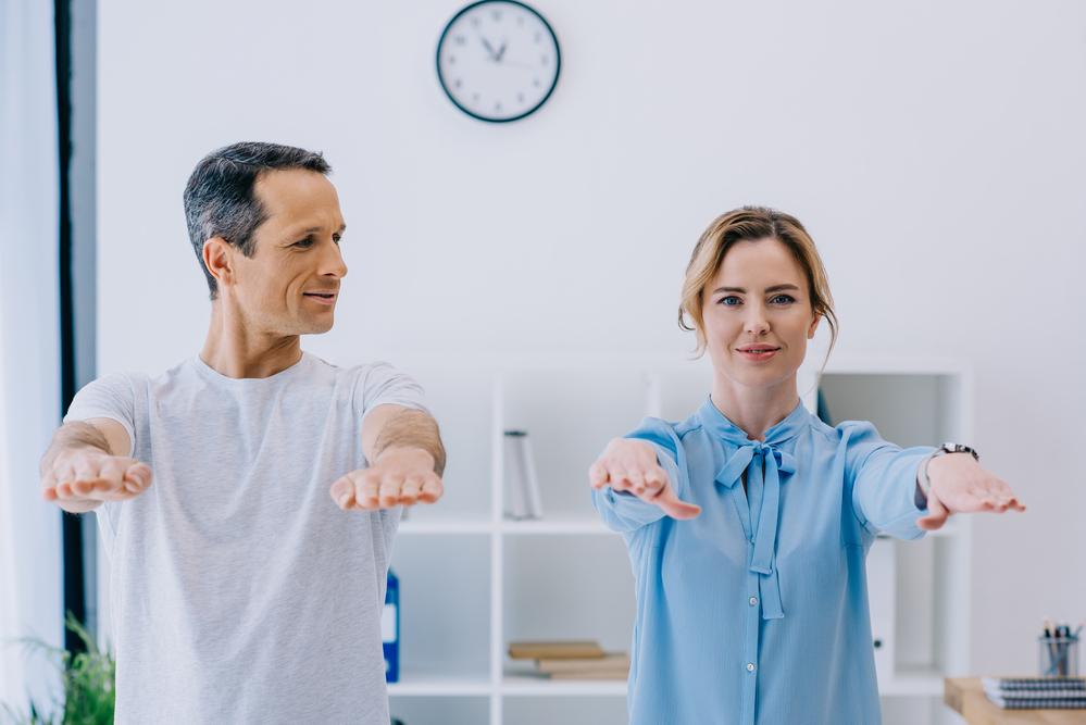 Ejercicios para entrenar con tu PAREJA - Motívate