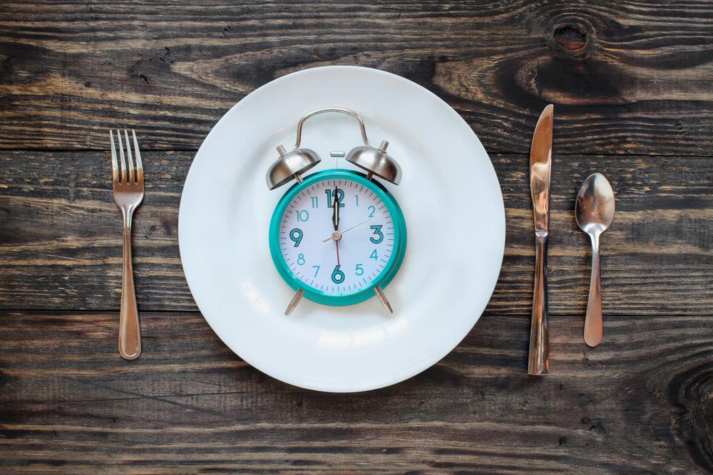 ¿Cómo afecta el ayuno intermitente a la pérdida de grasa?